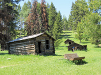 Cabins were built in Garnet for miners.