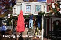 b2ap3_thumbnail_ARLINEHanging-Christmas-garlands-on-ice-cream-shop-SDC-c1.jpg