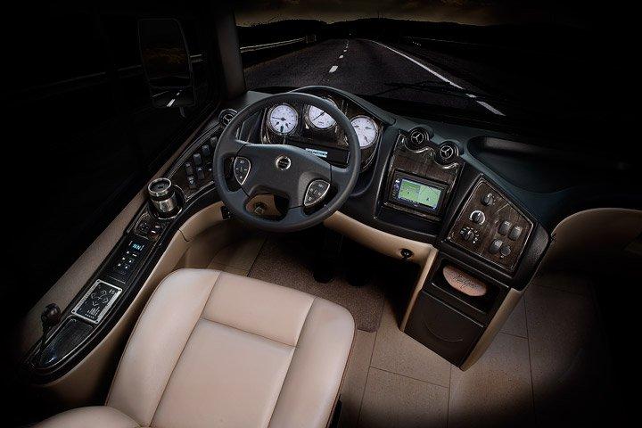 2015-Tuscany-Drivers-Cockpit-720x480