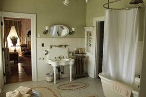 Mrs. Cruikshank's Bathroom