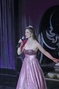 Cassandré Sings