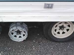 RV-maintenance_flat tire