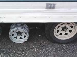 RV-maintenance_flat tire
