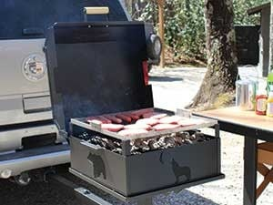 Grill-mounts-on-Trailer-hitch