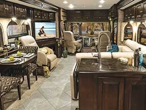 Winnebago-Adventurer-motorhome_interior