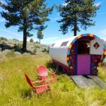 Gypsy Wagon RV Glamping Revives Ancient Woodworking Art