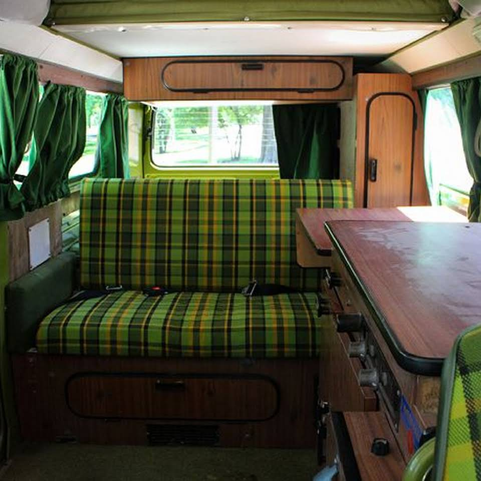 retroVWs van fleet interior