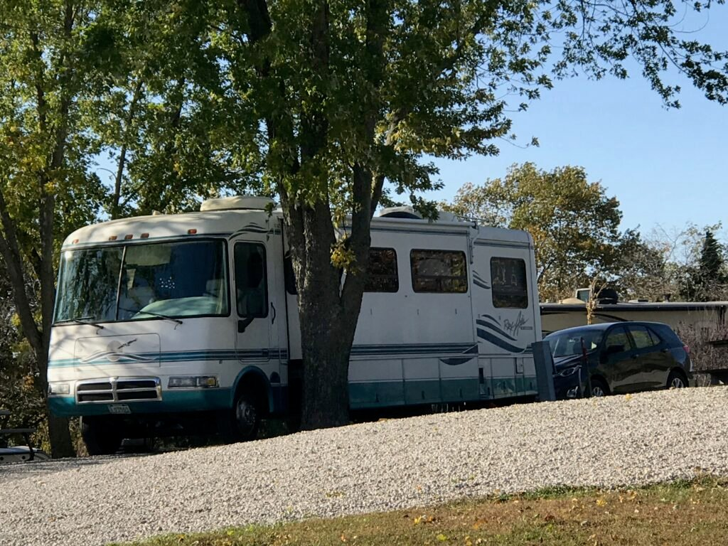 1999 33' RexHall Rex Air nice but we need to buy a new RV