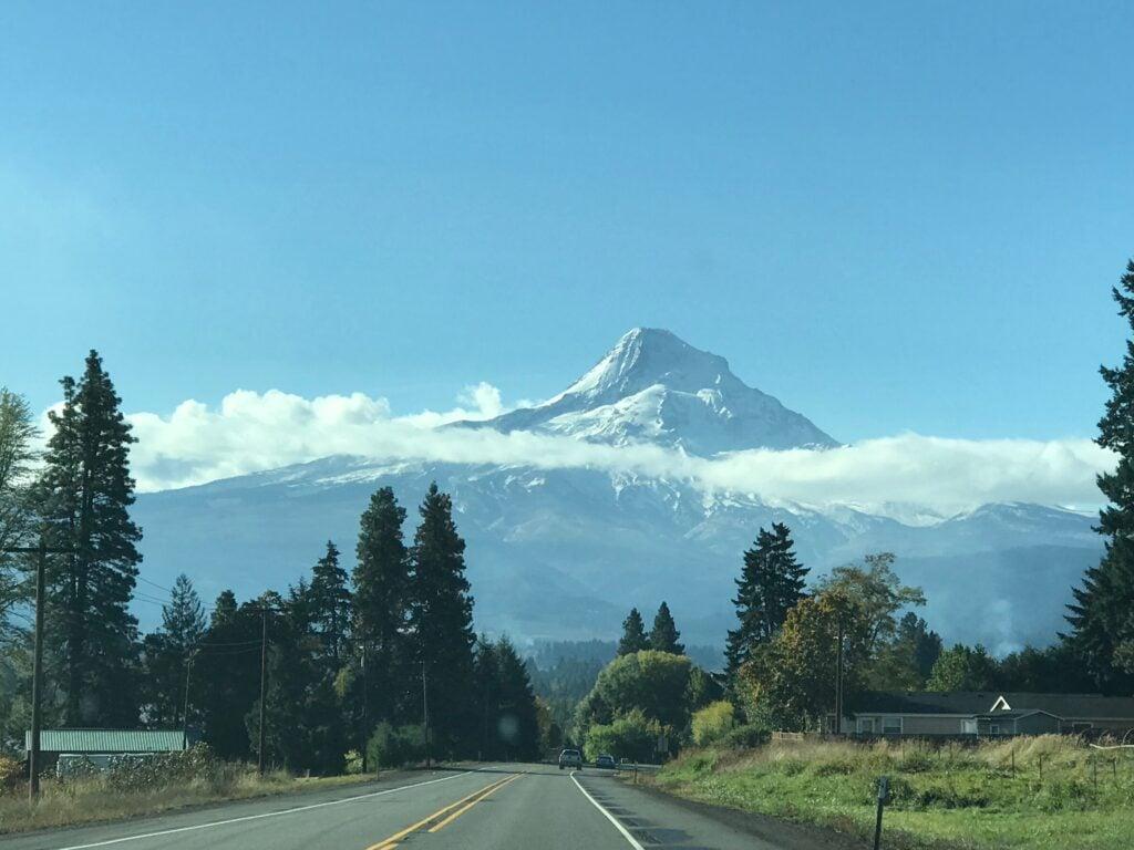 Mt Hood is the tallest peak in Oregon