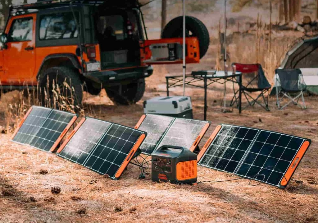 The 1500 will accept up to four solar panels for charging - Photo: Jackery