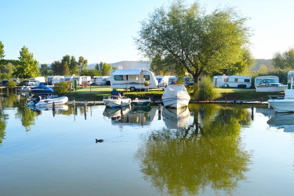 lakeside resorts