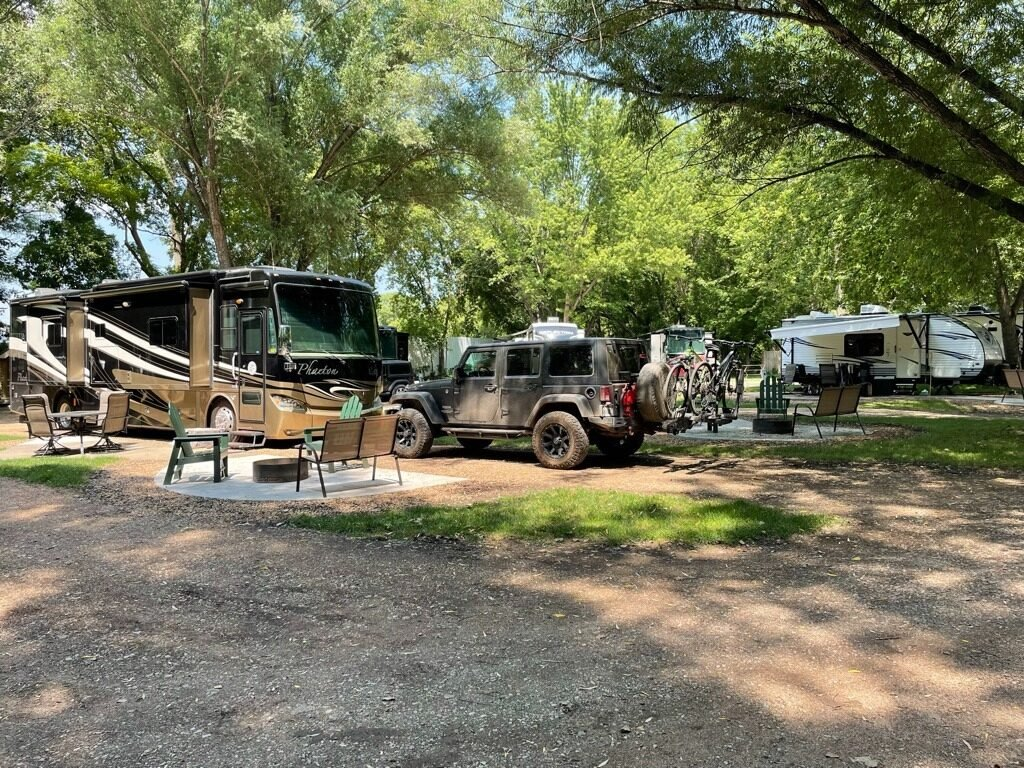 a motorhome camping in Minnesota at a KOA campground