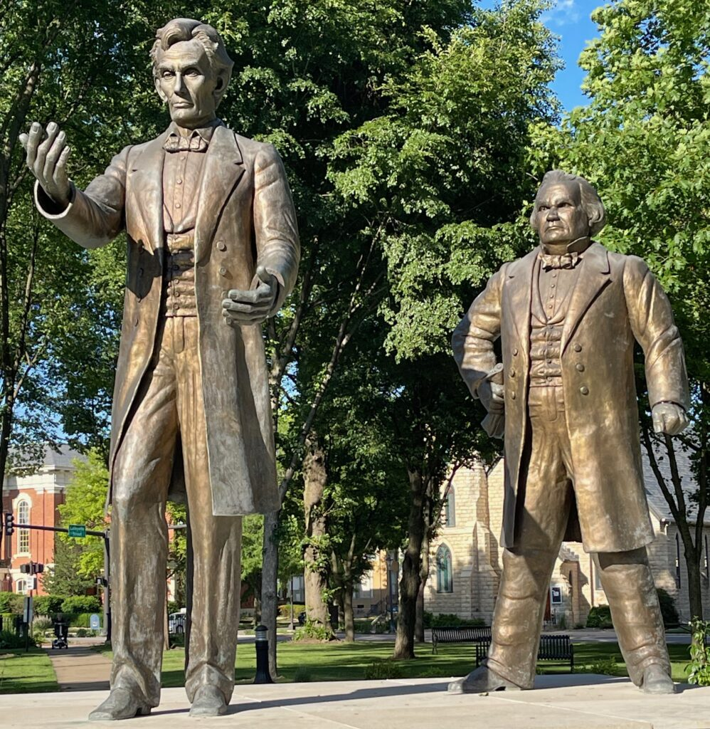 Statue of Lincoln and Douglas depicting their historic debate